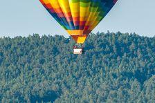 A-10 Thunderbolt vs. Heißluftballon